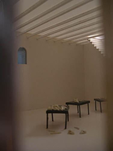 Luis Pita | Montajes tridimensionales | 3-Dimensional Assemblies | La Casa Blanca (a partir de los cuadros de Miquel Barceló de sus viajes a Mali) | The White House (aprés Miquel Barcelo's paintings of his trips to Mali) |