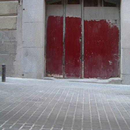 Luis Pita | Fotografía | Photography | Arquitecturas | Architectures | 2006 | garaje | madrid | garage door expressionist painting | puerta de garaje con pintura expresionista | Madrid | Spain