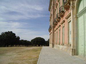 Luis Pita | Fotografía | Photography | Arquitecturas | Architectures | 2006 | Palacio Riofrío | Segovia | Palacio inacabado en medio del campo y rodeado de encinas | Unfinished palace in the countryside and surrounded by oaks | Spain |