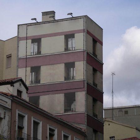 Luis Pita | Fotografía | Photography | Arquitecturas | Architectures | 2008 | Trampantojo pintado (Trompe l'oeil) | Painted trompe l'oeil | calle Ronda de Valencia | Madrid | Spain