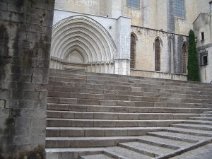 Luis Pita | Fotografía | Photography | Ciudades | Cities | (2004) Girona | escaleras en el barrio medieval cercano a la catedral que fundó Carlomagno | stairs in the nearby medieval quarter to the cathedral which Charlemagne founded