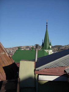 Luis Pita | Fotografía | Photography | Ciudades | Cities | (2012) Valparaiso | Tejados | luminosos tejados de hojalata en el atardecer de Valparaíso, una de las ciudades más hermosas del mundo | bright tin roofs in the sunset of Valparaíso, one of the most beautiful cities in the world