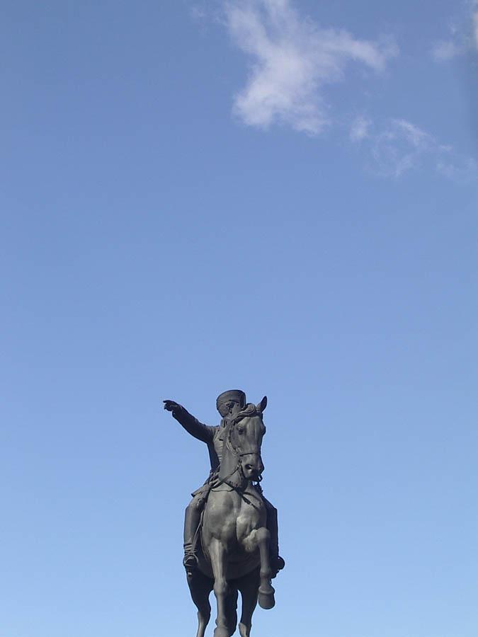 Luis Pita | Fotografía | Photography | Estatuaria | Statuary | equestrian statue | estatua ecuestre |  (2005) Paseo de la Castellana esquina calle María de Molina - Madrid | soldado | soldier