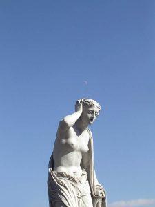 Luis Pita | Fotografía | Photography | Estatuaria | Statuary | (2005) Paseo Recoletos - Madrid | musa desconocida | estatua de mujer desnuda en piedra |  unknown muse | stone statue of a woman nude