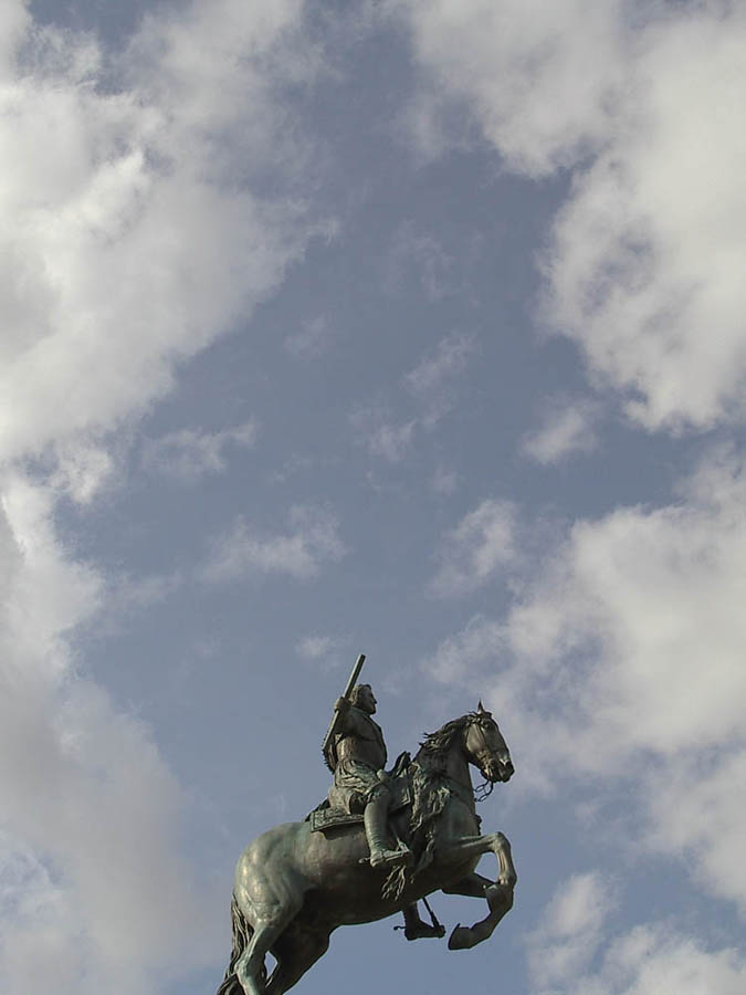 Luis Pita | Fotografía | Photography | Estatuaria | Statuary | reyes de españa montando a caballo | kings of Spain riding | equestrian statue | estatua ecuestre | (2005) Plaza de Oriente - Madrid | Palacio Real | Royal Palace