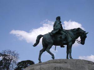Luis Pita | Fotografía | Photography | Estatuaria | Statuary | equestrian statue, horse with his head down | estatua ecuestre, caballo con la cabeza gacha | General español derrotado en Cuba | Spanish General defeated in Cuba (2014) Parque del Retiro - Madrid
