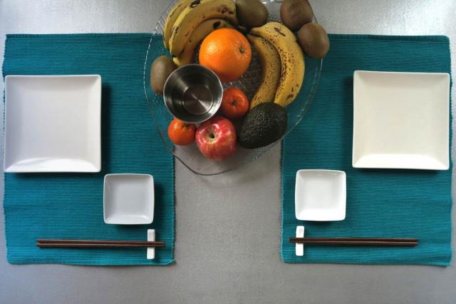 Luis Pita | Fotografía | Photography | serie Hora de comer | Lunchtime series |  2016 02 - 002 | Japanese style table | Mesa puesta estilo japonés