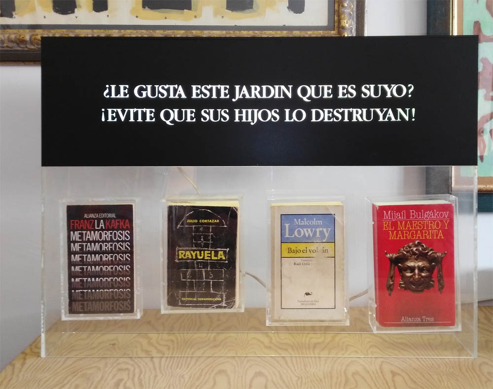 Luis Pita | Obras Tridimensionales | 3-Dimensional works | Libros encapsulados | Encapsulated books |   (1996) Le gusta este Jardin que es suyo, Evite que sus hijos lo destruyan | Do you like this Jardin is yours. Prevent your children destroy it | Malcolm Lowry quote | Cita de Malcolm Lowry | Conceptual Art | Art with books |