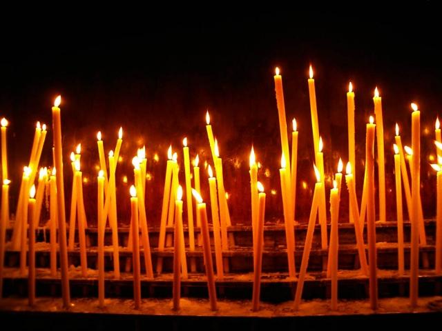 Luis Pita | Fotografía | Photography | Visiones interiores | Inner visions |  (2006) Basilica - Zaragoza | candles in a temple