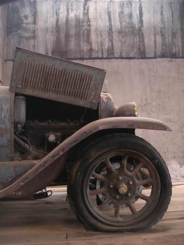Luis Pita | Fotografía | Photography | Visiones interiores | Inner visions |  (2010) Viejo FIAT oxidado | Rusty Old Fiat Car | similar a Ford-T
