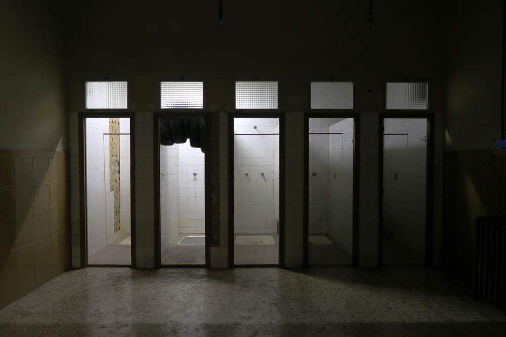 Luis Pita   Fotografía   Photography   Visiones interiores   Inner visions    (2016) Viejas Duchas en la Tabacalera - Madrid      Old Showers at the Old Tobacco factory in Embajadores, Madrid now an Art Centre