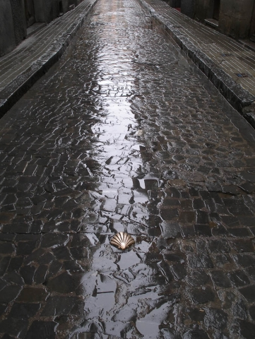 Luis Pita | Fotografía | Photography | Visiones exteriores | Exterior Visions | (2009) Calle lluviosa del Camino de Santiago - Pirineos | Spain | saint jacques way in a rainy street at the spanish Pyrenees |