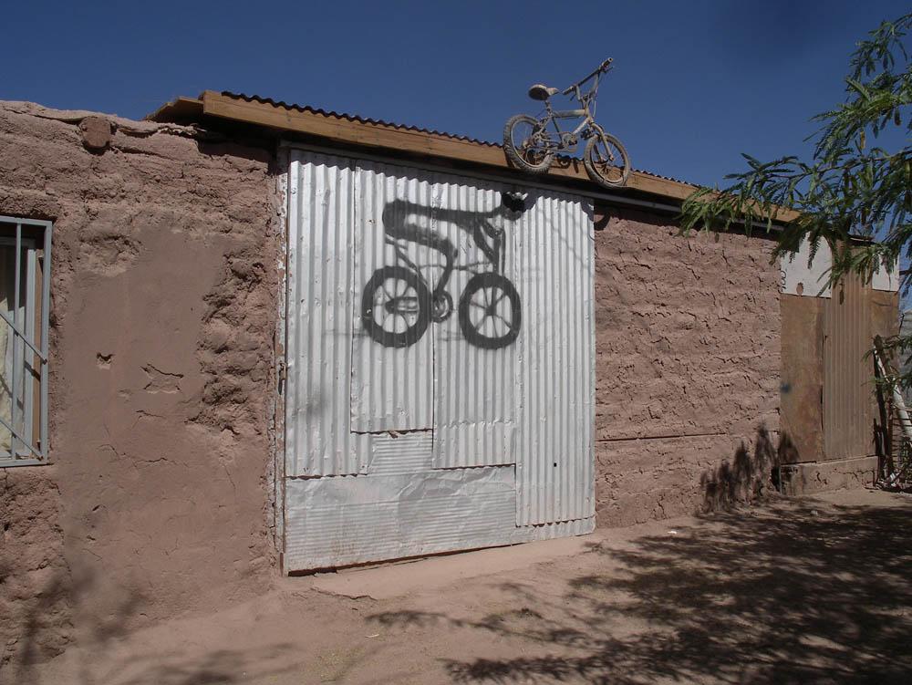 Luis Pita | Fotografía | Photography | Visiones exteriores | Exterior Visions | san-pedro-de-atacama-bici