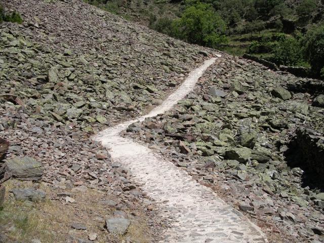 Luis Pita | Fotografía | Photography | Visiones exteriores | Exterior Visions | las-hurdes-caceres (2013) Las Hurdes - Caceres | camino de piedra en la montaña | stone path in the mountains