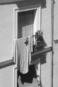 serie «Balcones de Madrid»   Colcha al sol (2016)